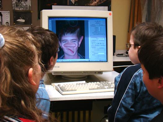 Bildbearbeitung am Computer (Foto: Foto-AG)