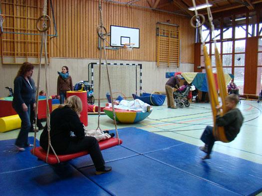 Schwerstbehindertensport in der Turnhalle