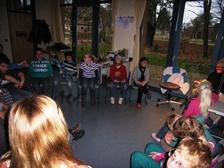 Foto der Schüler bei der Vorleserunde