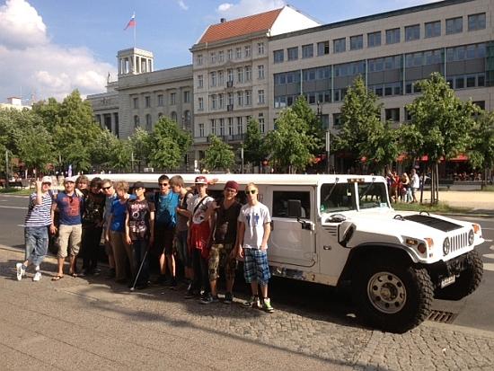 Das Auto für die Stadtrund Faht ist ein 15 m langer Cheep.