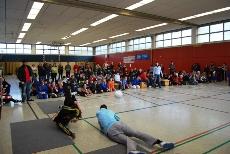 Foto von Spielern und Publikum bei den Finalspielen