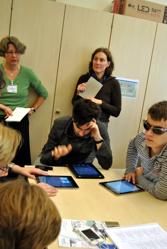 Foto von Gästen beim I-Pad Workshop