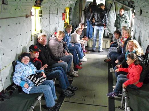 Die Schüler im Hubschrauber