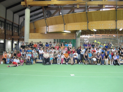 Gruppenfoto der Schüler im Ahorn-Sportpark