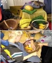 Körbe mit Herbstfrüchten