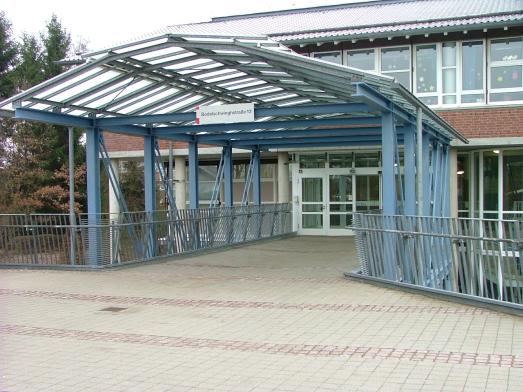 Eingang der Michael- Ende-Schule