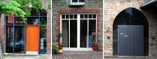 Verschiedene Formen der Toröffnungen in Bruch- und Backsteingebäuden mit Glas-, Holz- und Metallelementen
