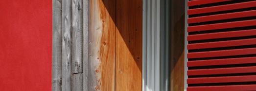 Fassadendetail mit Putz und Holz, Foto: LWL/Darius Djahanschah