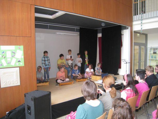 Die Schüler der Klasse 3 sorgen für einen instrumentalen Leckerbissen.