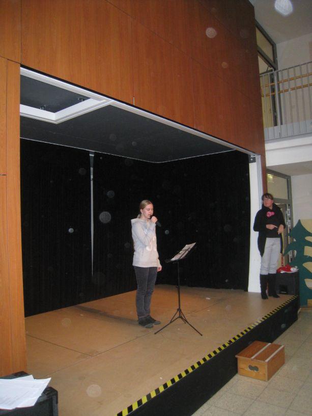 ... Maureen wagen sich als Solo-Sängerinnen auf die Bühne.