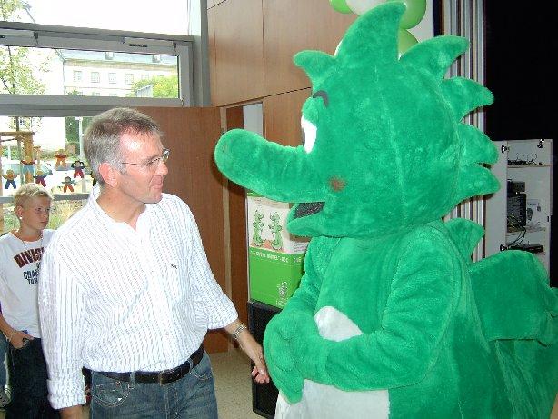Herr Arns in einem intensiven Gespräch mit Meike.