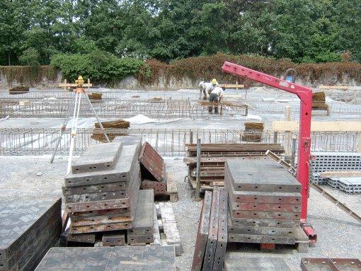 Stahl und Beton werden verarbeitet.