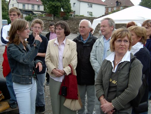 Bei der Grundsteinlegung am 5. Juli 2005
