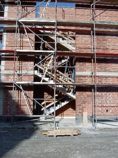 Das Treppenhaus des vorderen Flügels von außen gesehen