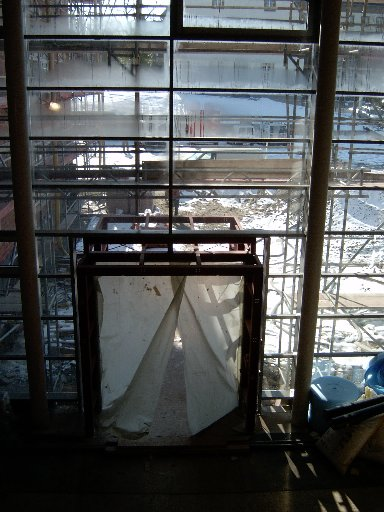 So sieht der Eingangsbereich von innen aus.