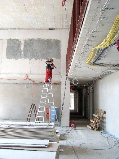 """Wer sich mit so einem Bohrer auf die hohe Leiter stellt, der ist bestimmt kein """"Dünnbrettbohrer""""."""