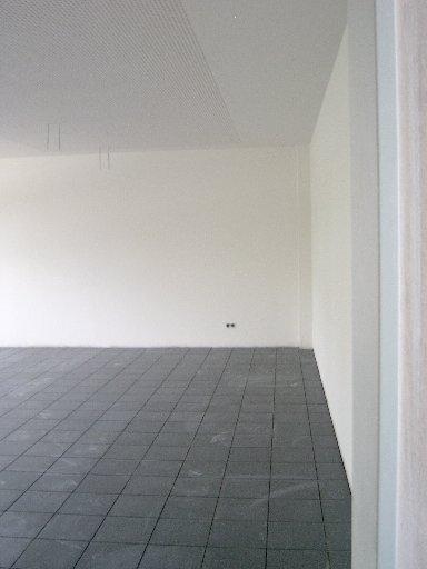 Auch die Wände dieses Fachraumes sind schon fertig vorgestrichen. Etwas Farbe kommt später noch hinzu.