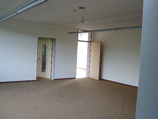 Auch in den oberen Klassen sieht es ordentlich. Türen sind auch schon eingebaut.