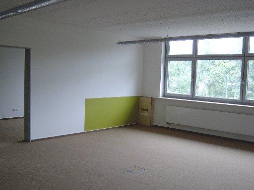 Immer stehen sich große und kleinere Flächen in einem Raum gegenüber.