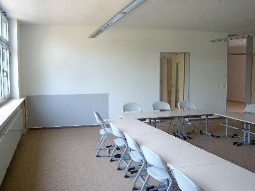 Die Medienecken hinten links können erst zu Beginn des Schuljahres bestückt werden.
