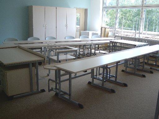 Eine besondere Anordnung der Tische erfordert der Computerraum.