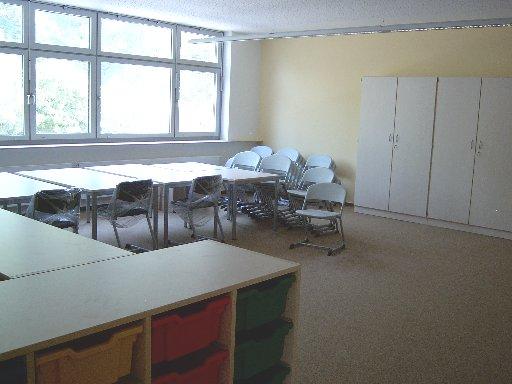 Der Raum für die Fahrschüler bietet viel Platz zum Spielen.