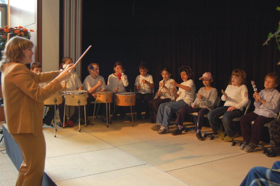 Alles richtet sich nach dem Dirigentenstab von Frau Nückel.