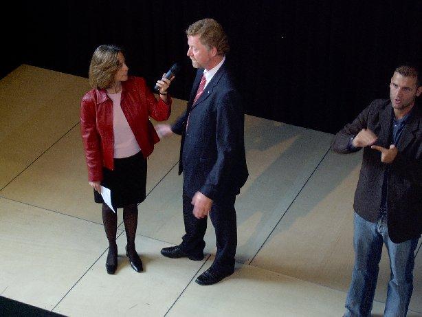 Regierungsschuldirektor Siegfried Lieske im Interview mit Frau Steinhauer.