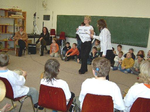 Als Notenhalterin wurde Frau Bergkemper engagiert – ohne Gage übrigens.