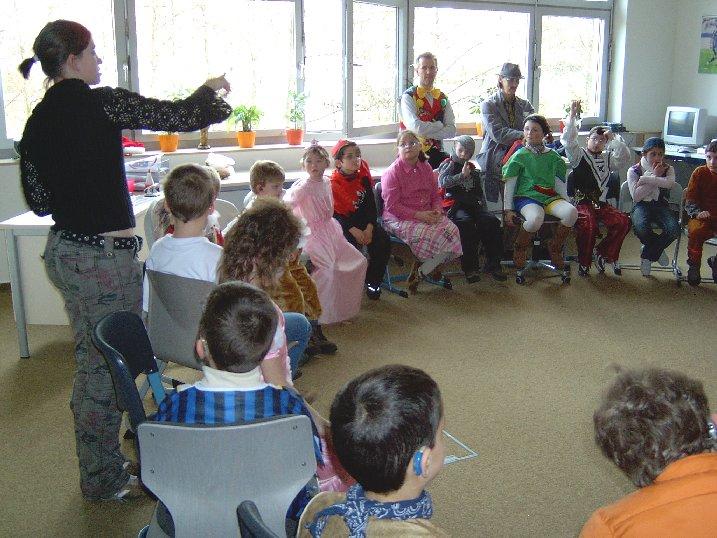 Ab der 3. Stunde kümmerten sich ältere Schüler um die Kleinen.