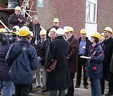 Der Gründungsbeirat besichtigt die Umbauarbeiten für die forensische Klinik (2004)