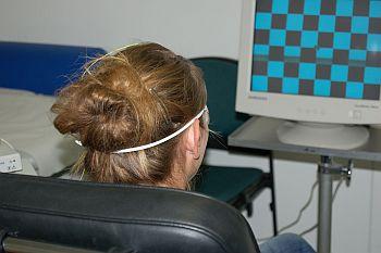 Foto zeigt Patientin bei einer Untersuchung