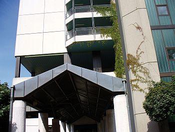 Eingang der Helios-Klinik