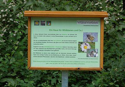 Foto zeigt Schild beim Wildbienenstand
