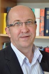 Chefarzt Dr. Rüdiger Holzbach