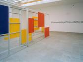 Das Bild zeigt eine Skulptur. Westfälischer Kunstverein, Ausstellung Lian Gillick, Foto: Thorsten Arendt / artdoc