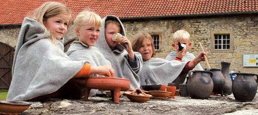 Das Bild zeigt Kinder in der Stiftung Kloster Dalheim. Foto: Landesmedienzentrum Baden-Württemberg.