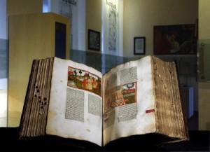 Eines der ältesten Exponate: Kölner Bibel in niederdeutscher Sprache (um 1478)