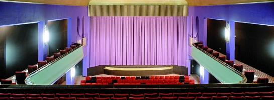 Dieses Bild zeigt den Blick in den Vorführsaal des ehemaligen Filmtheaters Apollo in Münster