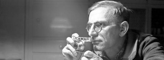 Der Raesfelder Fotograf Ignaz Böckenhoff (1911-1994): Selbstporträt mit der Leica, 1955.