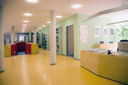 Bibliothek Innenansicht