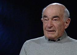 Der jüdische Zeitzeuge Hans Kaufmann erzählt von seinen Erlebnissen zur Zeit des Nationalsozialismus. [rechts]