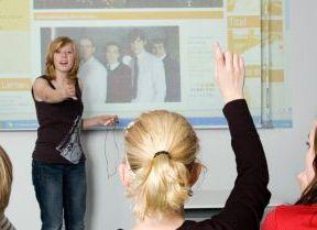 Lernen mit Medien im Unterricht [rechts]