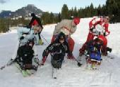 Rollstuhlfahrer können ein spezielles Skigerät nutzen