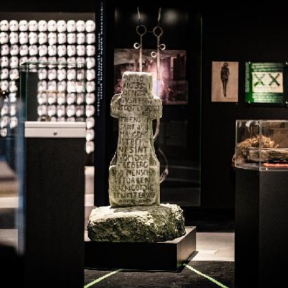 Blick in die Ausstellung_20191014pj072@P. Juelich_1000pix.jpg