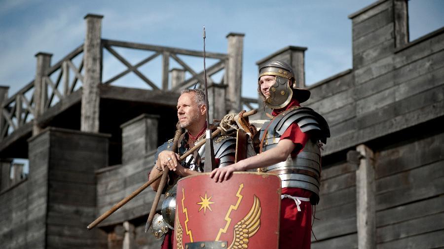 Legionäre auf der Römerbaustelle Aliso