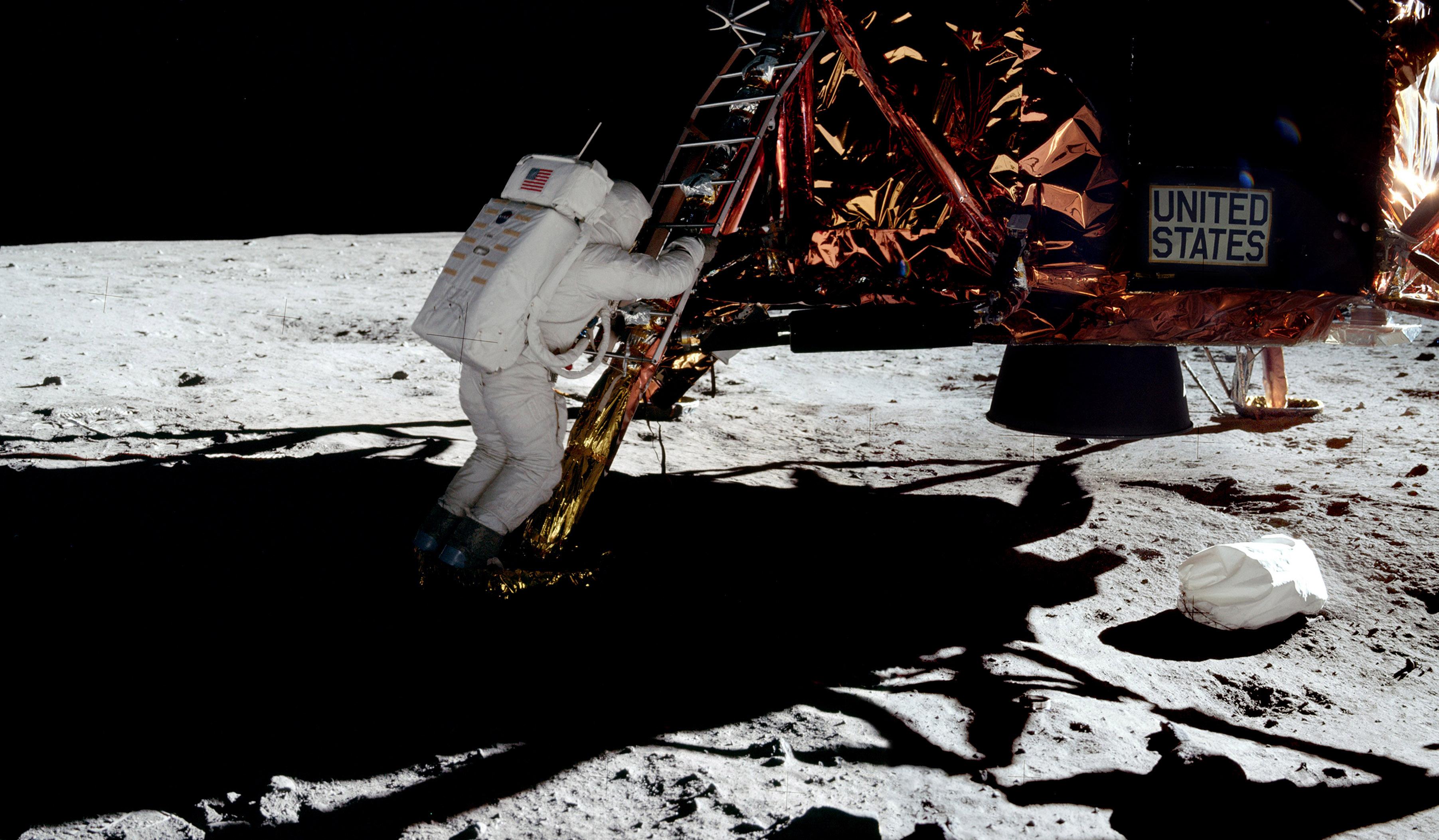 Bilddatei: Apollo_11_(C)DavidByrne.jpg