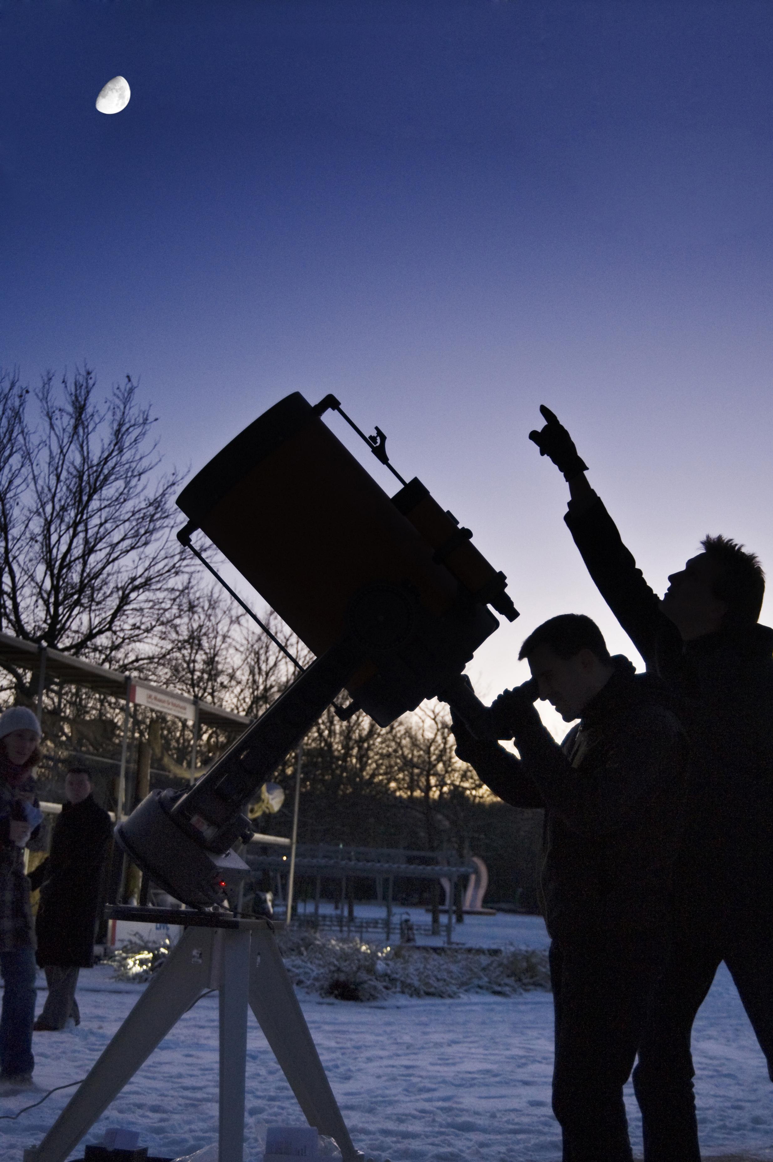 Bilddatei: Teleskop-kl(C)Oblonczyk,LWL.jpg