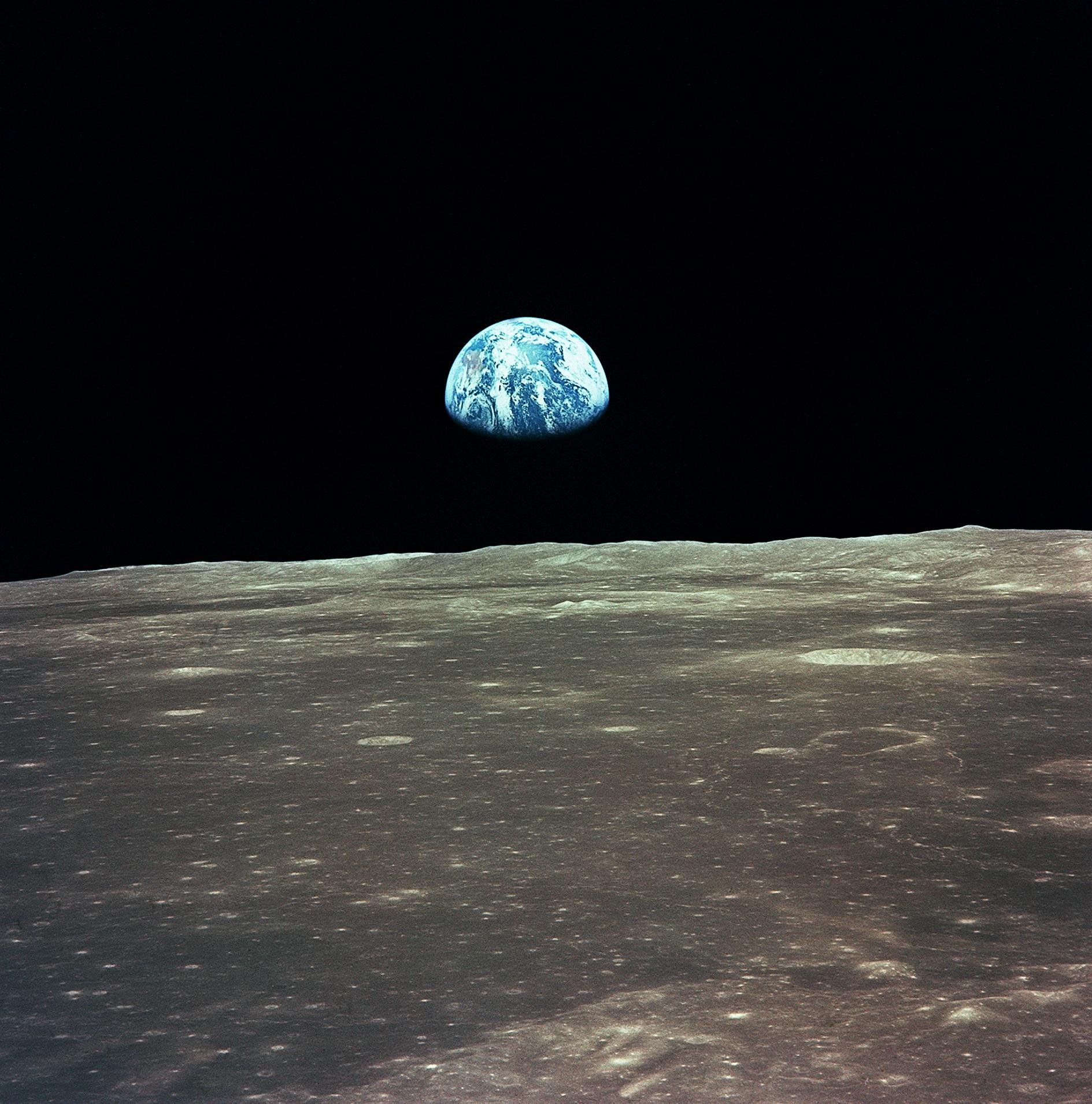 Bilddatei: 04_earthrise01(C)NASA.jpg