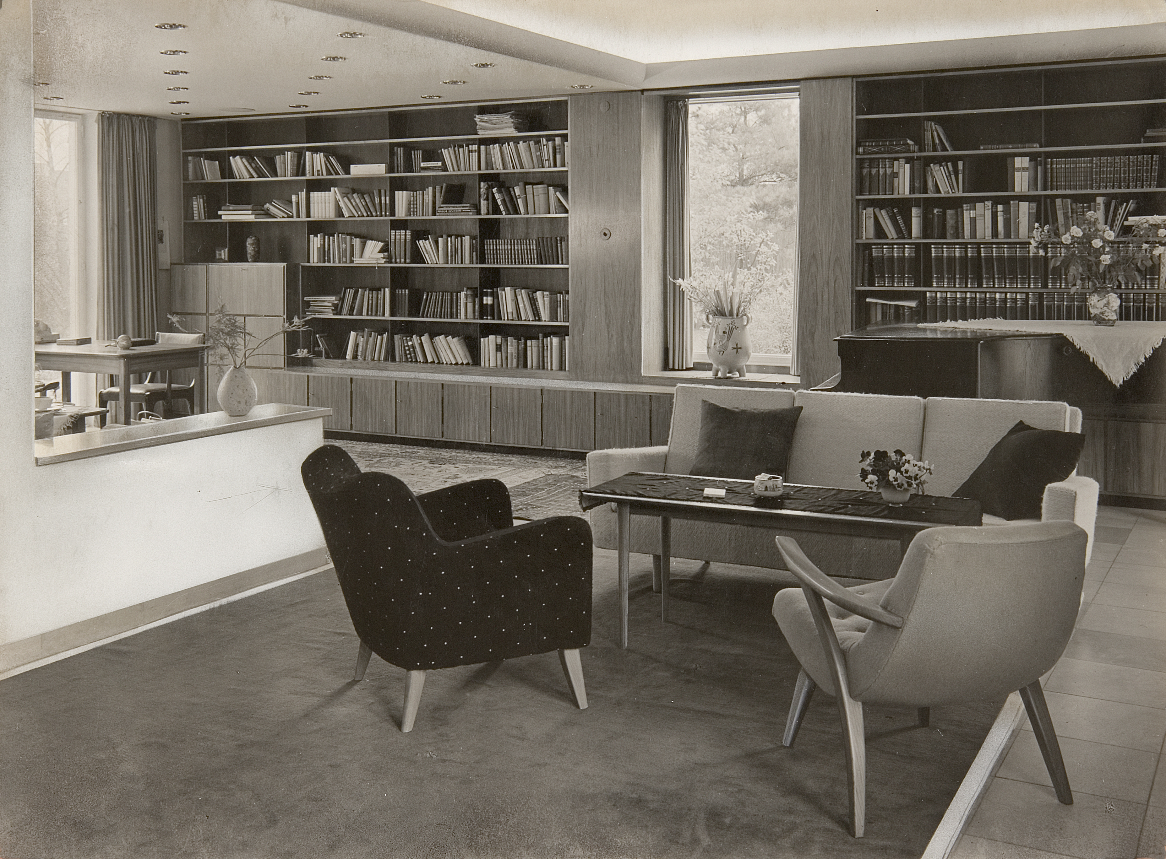 Bilddatei: Bibliothek Foto Paatsch-Renger.jpg
